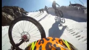 video vtt crash megavalanche alpe dhuez